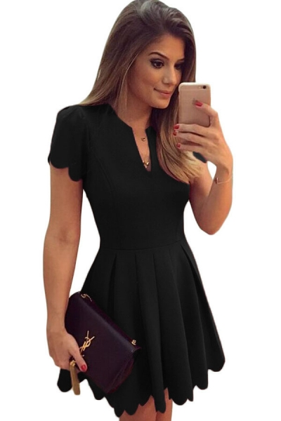 Black Sweet Scallop Pleated Skater Dress