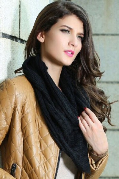 Black Warm Knitted Scarf