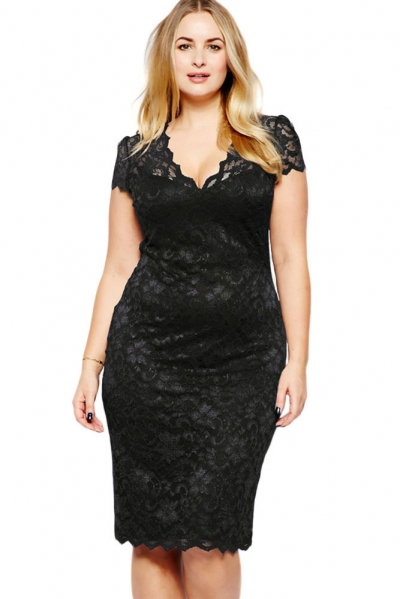 Black Scalloped V-neck Lace Plus Size Midi Dress